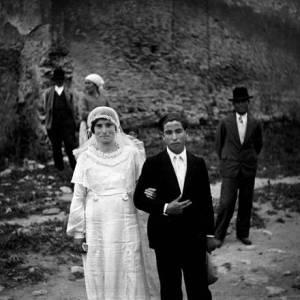 MEMORANDUM 2012: Coppia di Sposi, Isola Capo Rizzuto, anni ?20 - Archivio Randolfo Fauci